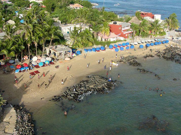 800px-Ngor_Beach-1.jpg